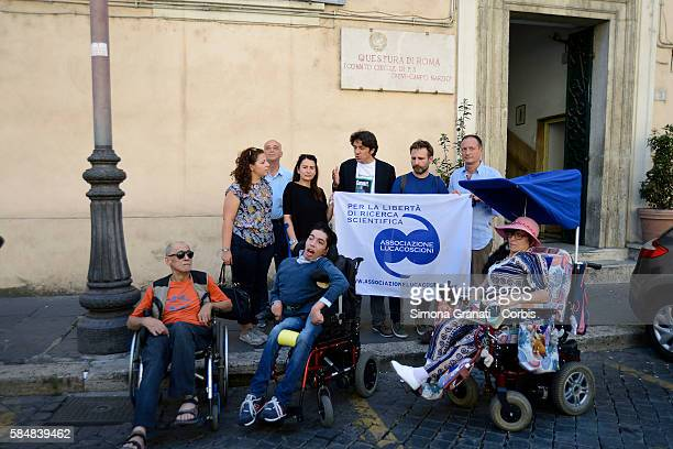 With a walk through the center of Rome the Association 'Luca Coscioni'presents the App NoBarriere that allows disabled people to monitor and denounce...