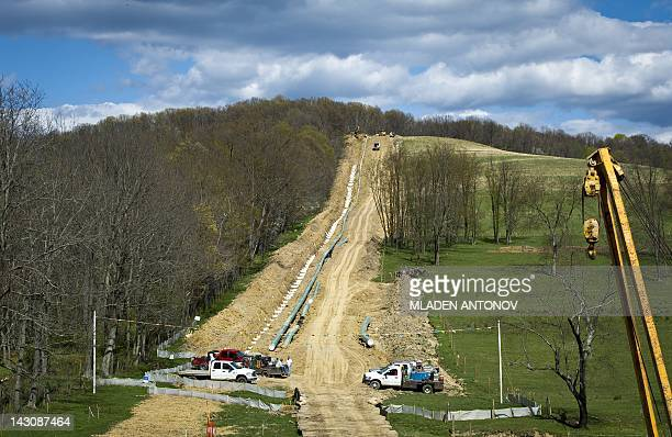 USEnergyGasEnvironment Workers lay the pipes of a gas pipeline outside the town of Waynesburg PA on April 13 2012It is estimated that more than 500...