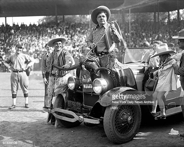 With Lou Gehrig riding shotgun BVabe Ruth and Yankees lassoed big crowds wherever they went Fresh off World Series sweep of St Louis Cardinals Ruth...