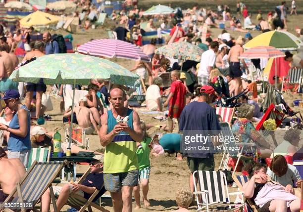 With thousands of families flocking to the seaside on the hottest weekend of the summer Scarborough beach attracted many crowds enjoying the best of...