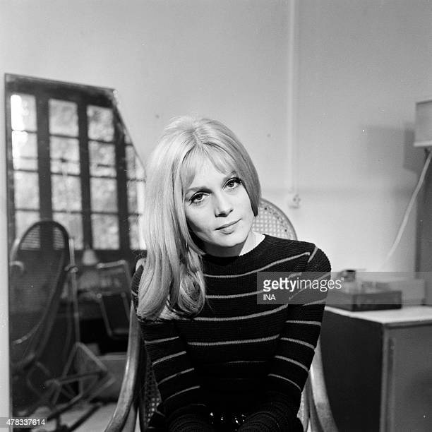 Within the framework of the Television news of 800 pm Francoise Dorleac's portrait during an interview on the occasion of the exit of the movie ''The...