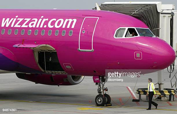 Wizz Air airplane is prepared for takeoff at Ferihegy International Airport in Budapest Hungary Sunday June 12 2005 Wizz Air whose fares are about...