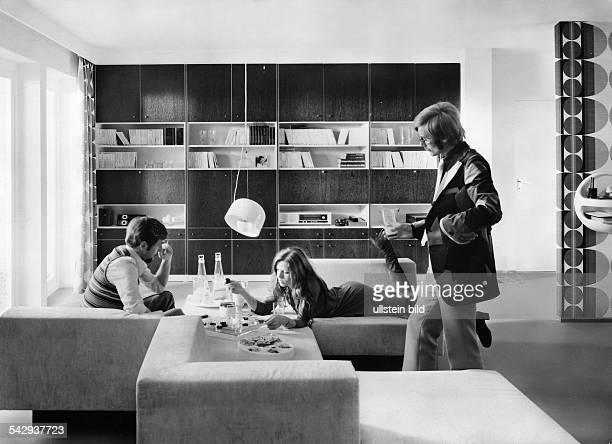 Wohnzimmereinrichtung Von Hlsta Allwand Programm1972