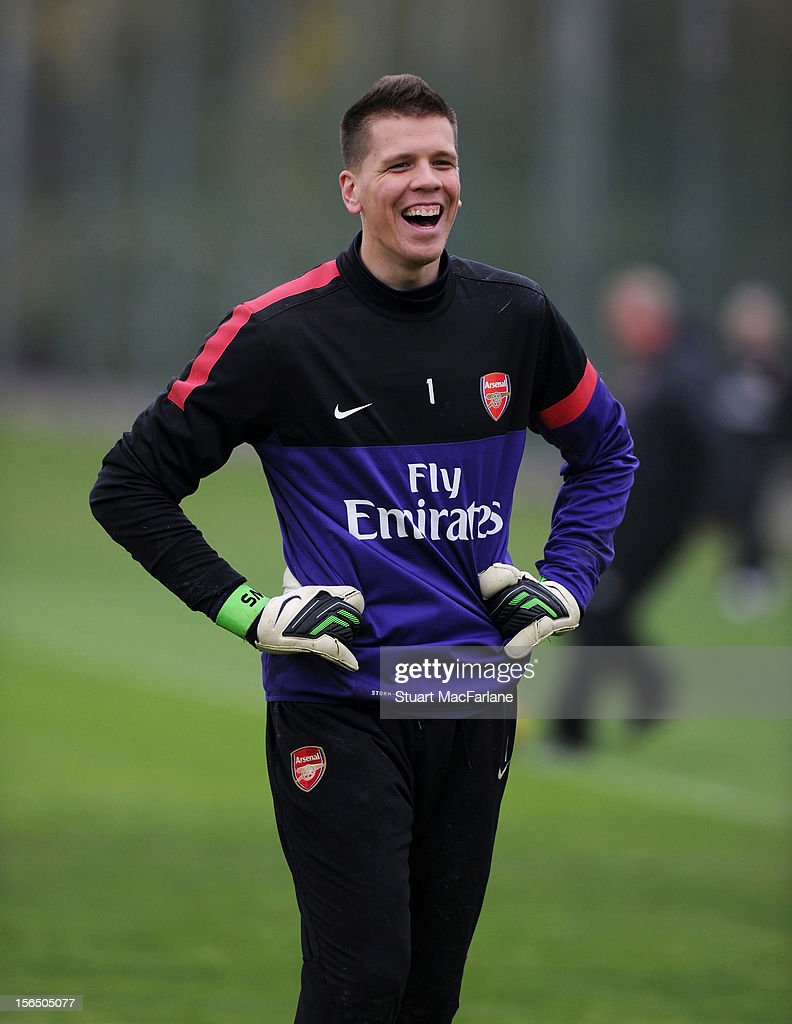 <a gi-track='captionPersonalityLinkClicked' href=/galleries/search?phrase=Wojciech+Szczesny&family=editorial&specificpeople=6539507 ng-click='$event.stopPropagation()'>Wojciech Szczesny</a> of Arsenal during a training session at London Colney on November 16, 2012 in St Albans, England.
