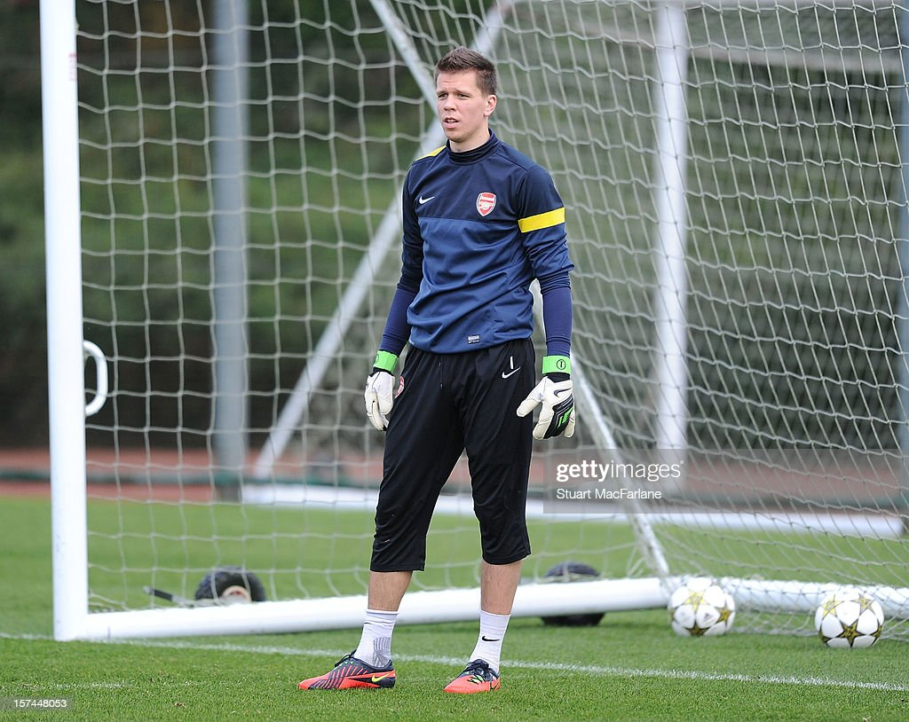 <a gi-track='captionPersonalityLinkClicked' href=/galleries/search?phrase=Wojciech+Szczesny&family=editorial&specificpeople=6539507 ng-click='$event.stopPropagation()'>Wojciech Szczesny</a> of Arsenal during a training session at London Colney on December 03, 2012 in St Albans, England.