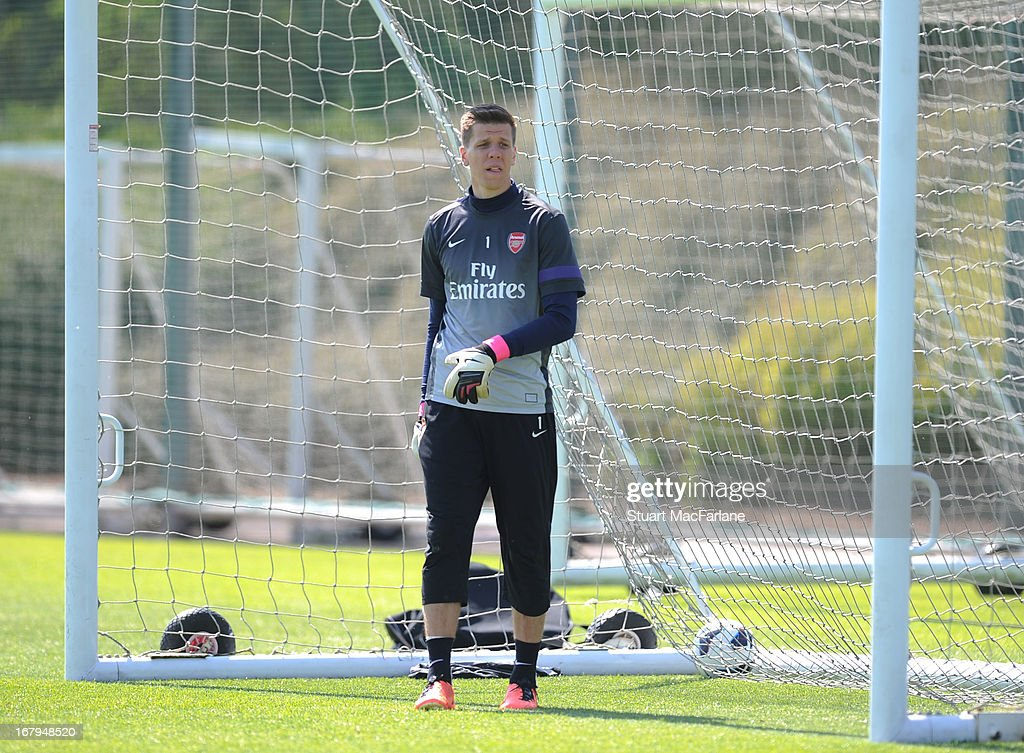 <a gi-track='captionPersonalityLinkClicked' href=/galleries/search?phrase=Wojciech+Szczesny&family=editorial&specificpeople=6539507 ng-click='$event.stopPropagation()'>Wojciech Szczesny</a> of Arsenal during a training session at London Colney on May 03, 2013 in St Albans, England.