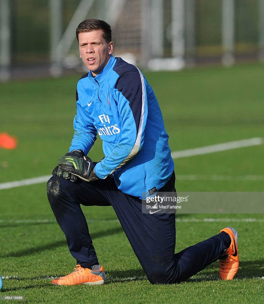 <a gi-track='captionPersonalityLinkClicked' href=/galleries/search?phrase=Wojciech+Szczesny&family=editorial&specificpeople=6539507 ng-click='$event.stopPropagation()'>Wojciech Szczesny</a> of Arsenal during a training session at London Colney on January 27, 2014 in St Albans, England.
