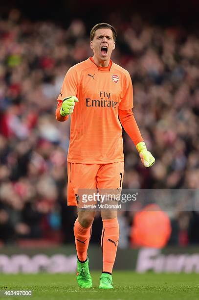 Wojciech Szczesny of Arsenal reacts during the FA Cup fifth round match between Arsenal and Middlesbrough at Emirates Stadium on February 15 2015 in...