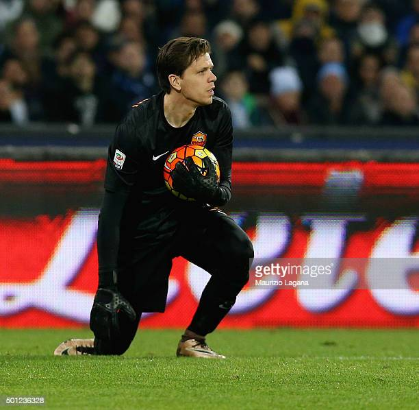 Wojciech Szczesny of Roma during the Serie A match betweeen SSC Napoli and AS Roma at Stadio San Paolo on December 13 2015 in Naples Italy