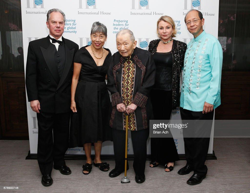 photos et images de international house 2017 awards gala | getty