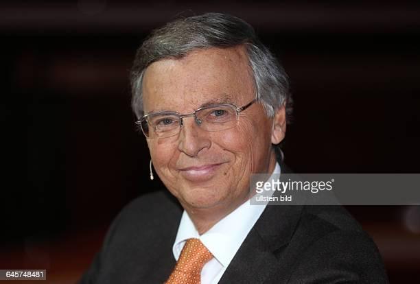 Wolfgang Bosbach in der ARDTalkshow 'Günther_Jauch' am in BerlinThema der Sendung Der EuroSchreck Wohin führt die GriechenWut