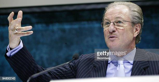 Wolfgang Reitzle Linde AG chief executive officer speaks during a news conference in Frankfurt Germany Monday March 6 2006 Linde AG Germany's biggest...