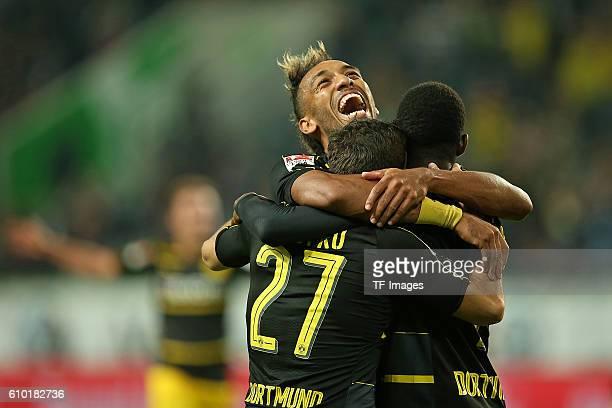 Wolfsburg Germany 1Bundesliga 4 Spieltag VfL Wolfsburg BV Borussia Dortmund Jubel vl Gonzalo Castro PierreEmerick Aubameyang und Torschuetze Ousmane...