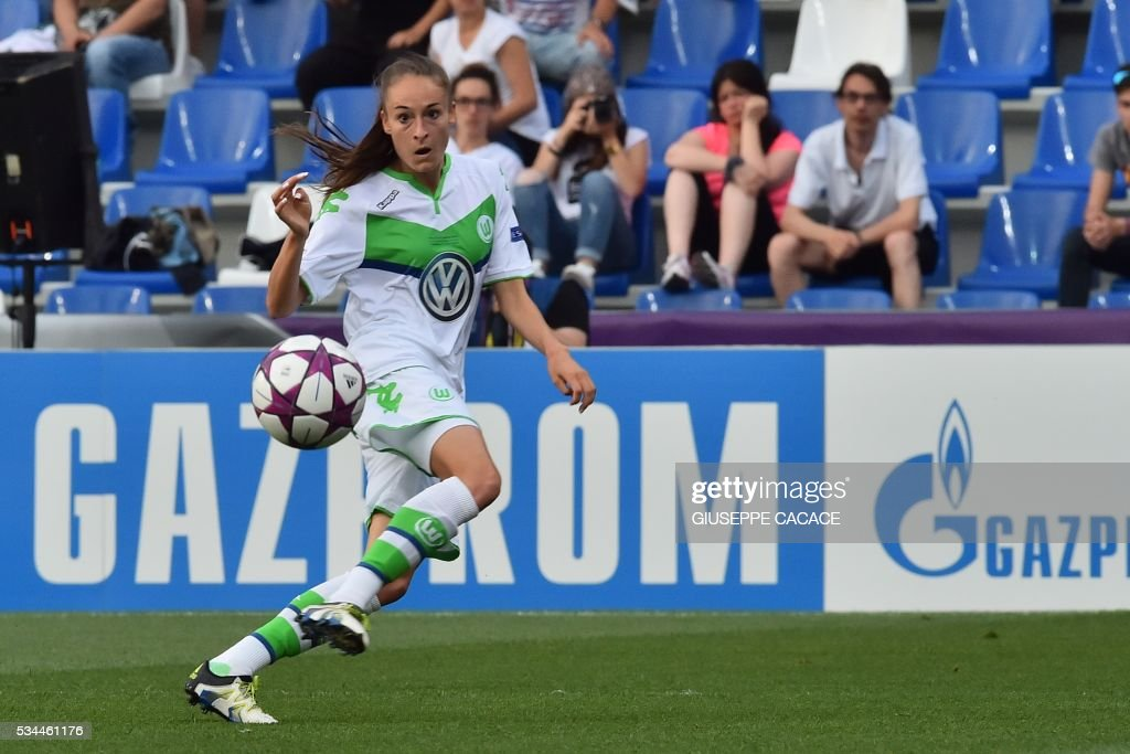 Wolfsburg's forward from Belgium Tessa Wullaert eyes the ball during the UEFA Women's Champions League Final football match VFL Wolfsburg vs Lyon at the Citta del Tricolore stadium in Reggio Emilia on May 26, 2016. / AFP / GIUSEPPE