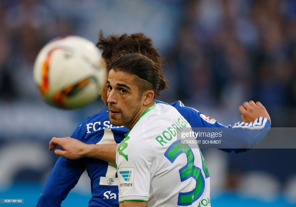 Wolfsburg's Swiss defender Ricardo Rodriguez heads the ball during the German Bundesliga first division football match FC Schalke 04 v Wolfsburg in Gelsenkirchen, western Germany on February 6, 2016. / AFP / NORBERT SCHMIDT /