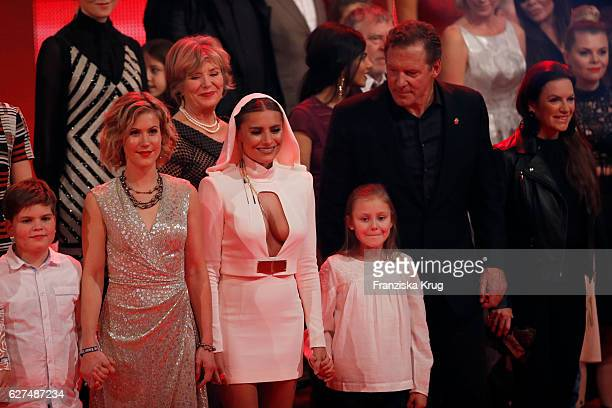 Wolke Hegenbarth Sophia Thomalla and Ralf Moeller during the Ein Herz Fuer Kinder Gala show on December 3 2016 in Berlin Germany