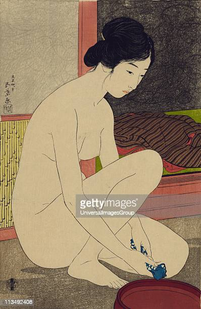 Woman after Bath 1920 Hashiguchi Goyo Japanese Ukiyoe artist Nude woman half kneeling squeezing blue and white cloth over bowl