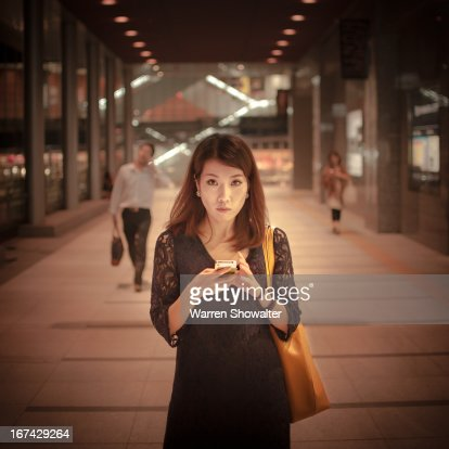 woman and phone : Foto de stock