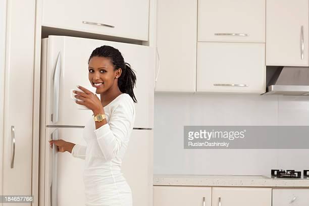 Frau am Küche