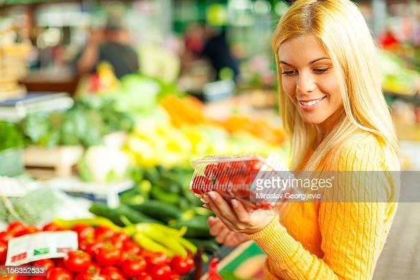 Frau am Markt