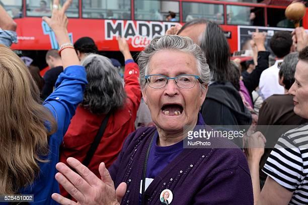 A woman clapps for Manuela Carmena Ahora Madrid candidate elected mayor of Madrid with the votes of the Partido Solicialista Obrero Espa��ol on June...