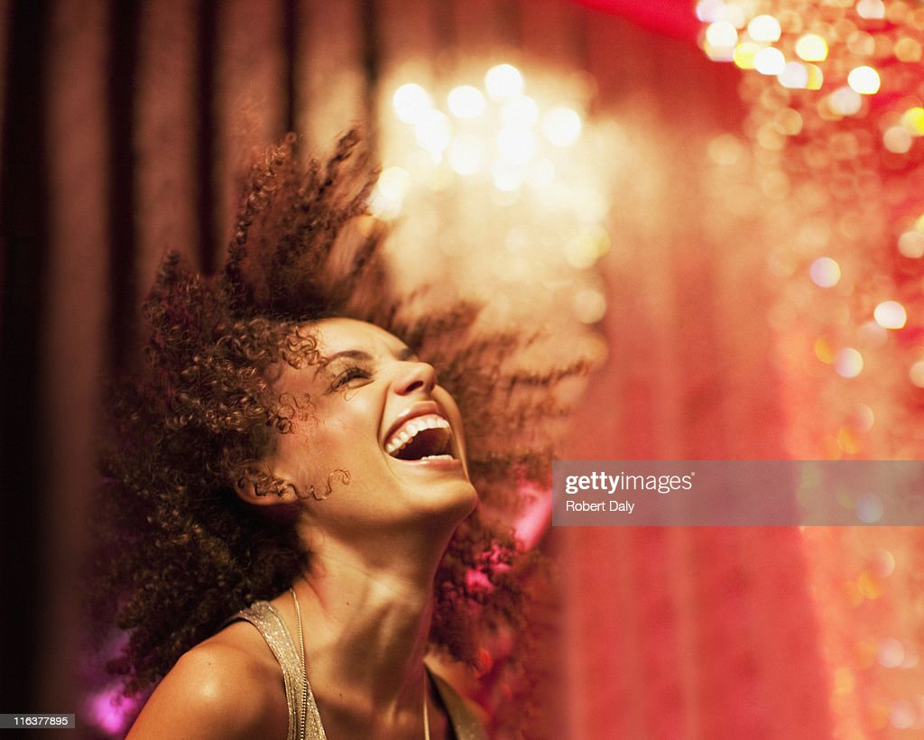 woman dancing at nightclub : Foto de stock