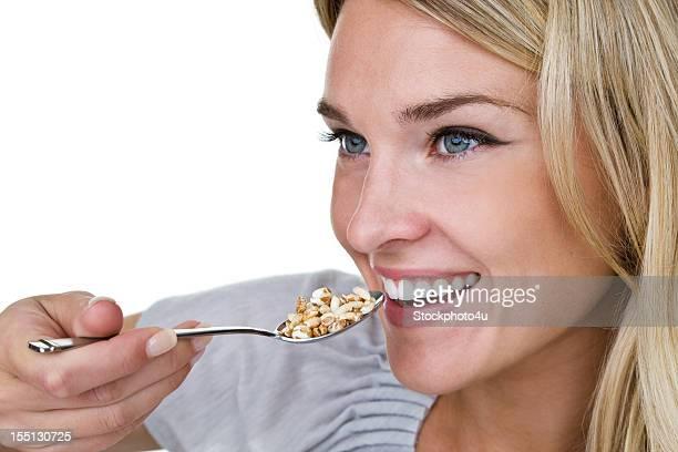 Frau Essen Getreide