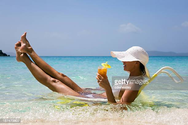 Frau genießen den Strand