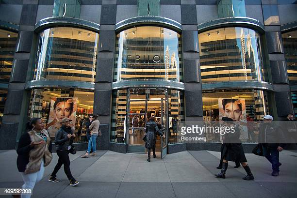 Bloomberg New York Bureau Stock Photos and Pictures | Getty Images