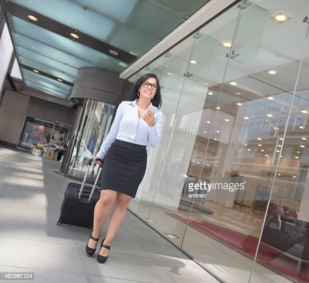 Frau auf einer Geschäftsreise
