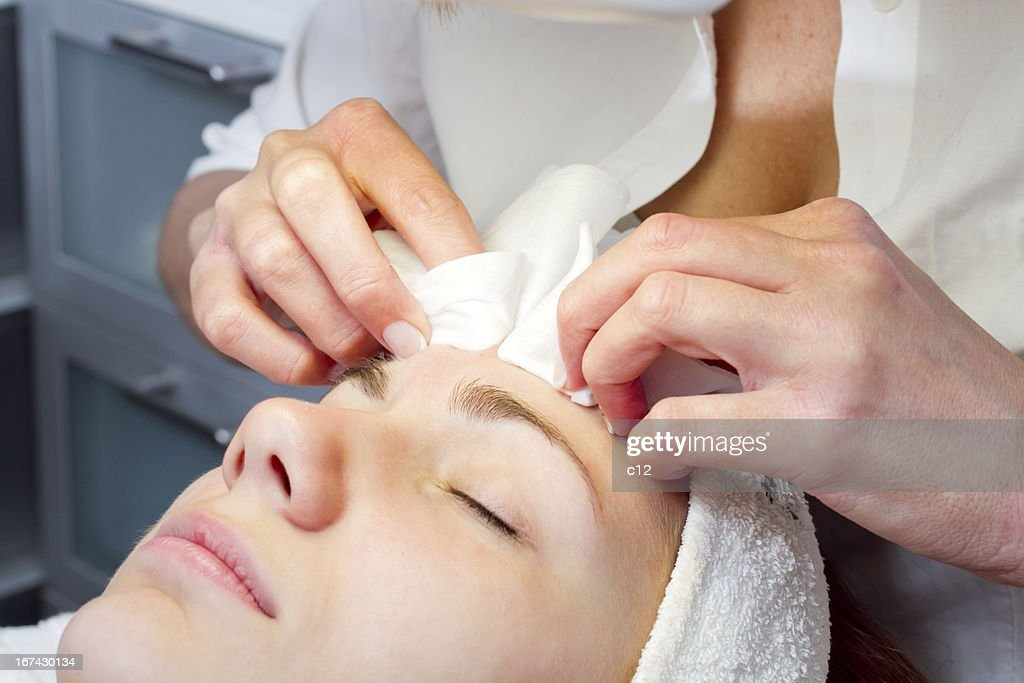 Rostro de belleza de mujer tener tratamiento : Foto de stock