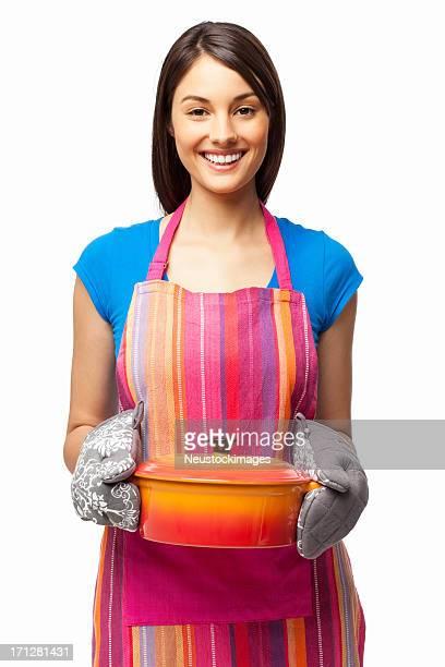 Mulher a segurar Caçarola para guisado-isolada