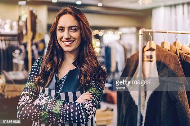 女性をファッションストア