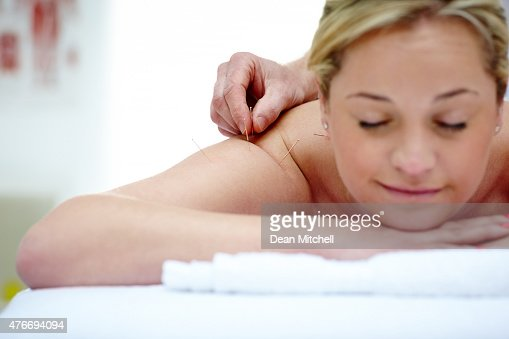 how to become an acupuncture therapist