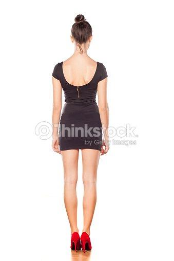 fda1516ce Mulher de vestido preto Curto   Foto de stock