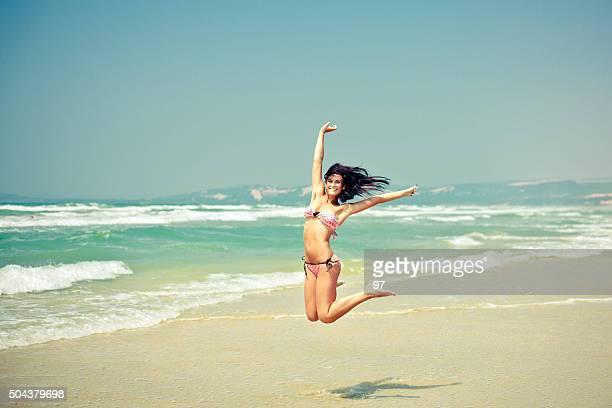 Frau springen