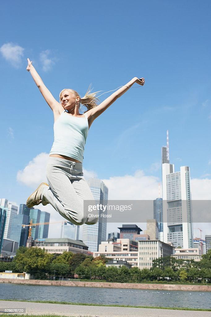 Woman Jumping : Stock-Foto