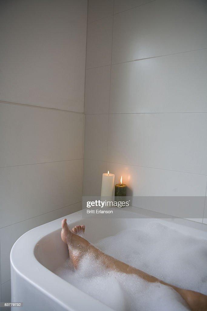 Woman legs in bathtub : Photo