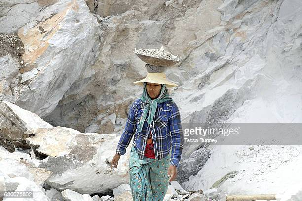 A woman marble miner in Sagyin village on 19th May 2016 in Mandalay division Myanmar Sagyin a village 21 miles north of Mandalay is known for its...