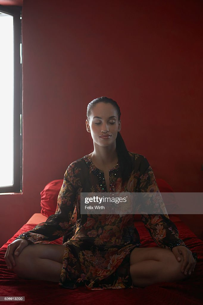 Woman meditating : Stockfoto