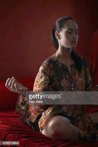 Woman meditating : Foto de stock