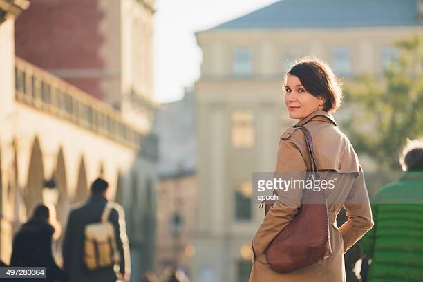 女性のメインマーケット広場のクラクフます。