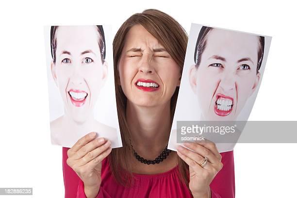 Mujer abrumado por sus emociones