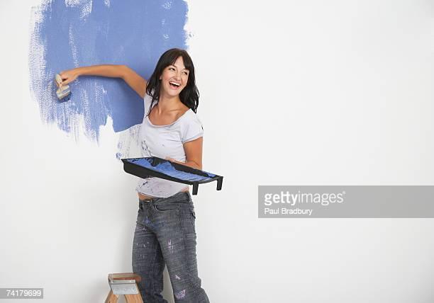 Frau Malerei und Lachen