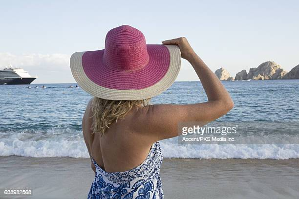 hispanic single women in bowler See a rich collection of stock images, vectors, or photos for woman bowler you can buy on shutterstock explore quality images, photos, art & more.