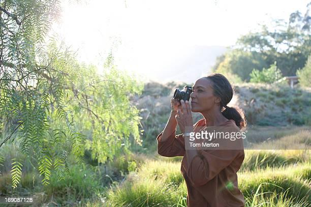 Femme photographier la nature