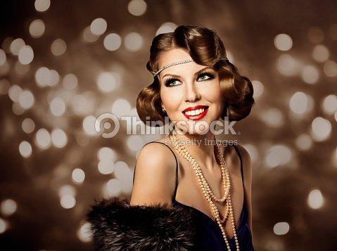 Retrato De Mujer Retro Estilo Elegante Dama Maquillaje Y Peinado De