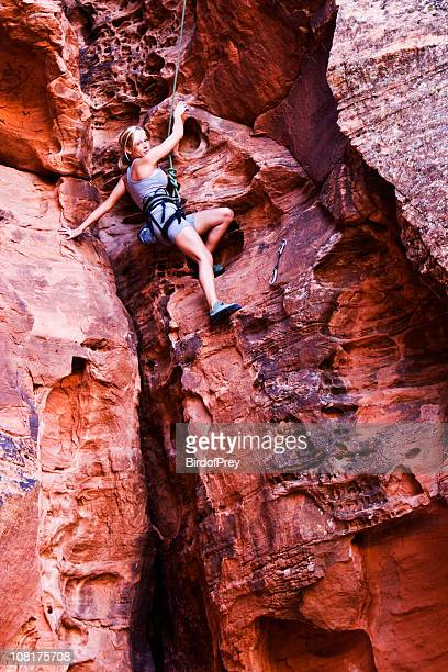 Frau Klettern am Red Mountain Gesicht