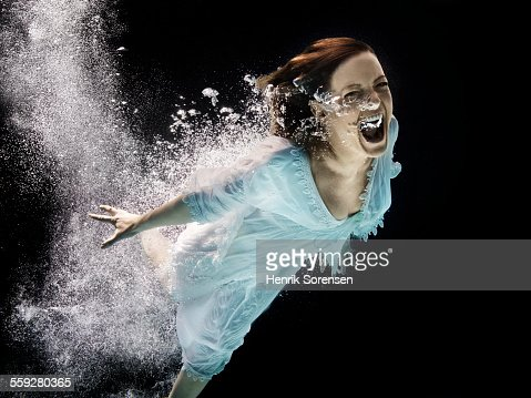woman screaming under water