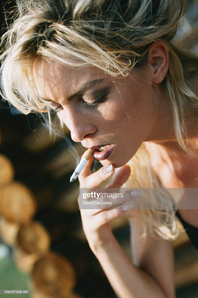 smokers should pay additional fees to Additional dog or cat is $25 per pet   then discuss fees if you are comfortable with their fee, hire them  how much should i pay someone to take care of my .